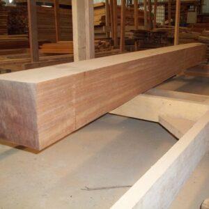 Pilares de madeira 20x20 Cm