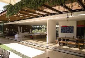 pergolado de madeira para corredor externo