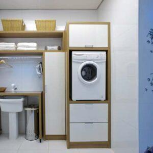 lavanderia pequena com moveis planejados