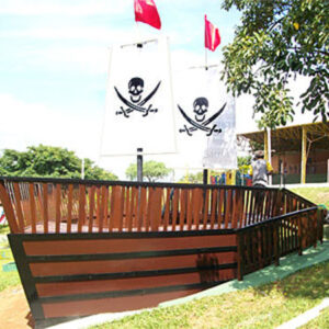 playground de madeira infantil barco