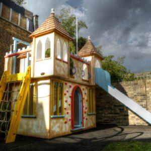playground de madeira infantil castelo