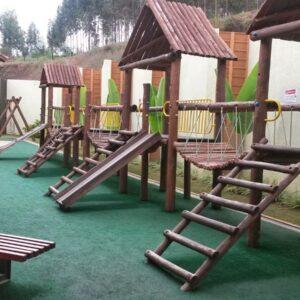 playground de madeira para restaurante